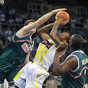 Fenerbahce Ulker's Lynn Terence GREER (C) during their Turkish Basketball league semi final second leg match Fenerbahce Ulker between Banvit at Abdi Ipekci Arena in Istanbul, Turkey, Wednesday, May 12, 2010. Photo by TURKPIX