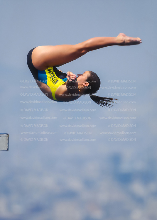 BARCELONA - JULY 27:  Vyninka Arlow of Australia competes in the Women's 10 meter Diving final at the Piscina Municipal de Montjuic on July 27, 1992 during the Summer Olympics in Barcelona, Spain.  (Photo by David Madison/Getty Images)