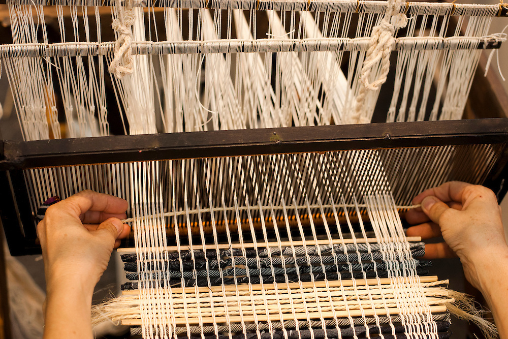 Belo Horizonte_MG, Brasil... XXI FNA (Feira Nacional de Artesanato) que acontece no Expominas, Belo Horizonte, Minas Gerais. Na foto tecelagem...21th FNA (National Craft Trade Fair) in Expominas, Belo Horizonte, Minas Gerais. In this photo weaving...Foto: MARCUS DESIMONI / NITRO
