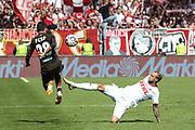 FUSSBALL: 2. Bundesliga, FC St. Pauli . 1. FC Koeln 3:5 Hamburg, 02.09.2018<br /> Waldemar Sobota (Pauli, l.) - Marcel Risse (Koeln)<br /> © Torsten Helmke