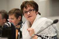 """26 MAR 2012, BERLIN/GERMANY:<br /> Sabine Lautenschlaeger, Vizepraesidentin Deutsche Bundesbank, Kongress der CDU/CSU-Bundestagsfraktion """"Krisen vorbeugen - Finanzaufsicht staerken"""", Sitzungssaal CDU/CSU-Bundestagsfraktion, Deutscher Bundestag<br /> IMAGE: 20120326-01-041<br /> KEYWORDS: Sabine Lautenschläger"""