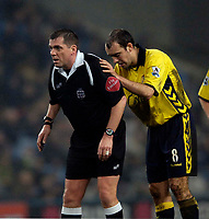 Photo: Jed Wee.<br /> Manchester City v Aston Villa. The FA Cup. 14/03/2006.<br /> <br /> Aston Villa's Gavin McCann (R) has a curious moment with referee Phil Dowd.