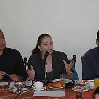 Toluca, Mex.- Marco Antonio Aguilar, María Elena Chávez junto otros dos aspirantes a la candidatura del PAN a la alcaldía de Toluca se manifestaron en contra de la ahora abanderada albiazul, Mónica Fragoso, y anunciaron que no apoyarán su campaña proselitista. Agencia MVT / Arturo Hernández S.