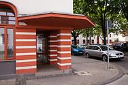 the Naumann housing estate in the district Riehl, built in the years 1927-1929, salesroom at the corner of the houses, Cologne, Germany.<br /> <br /> die Naumannsiedlung im Stadtteil Riehl, in den Jahren 1927-1929 erbaut, Ladenlokal an den Hausecken, Koeln, Deutschland.