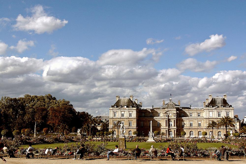 Le Jardin et le Palais du Luxembourg, en automne, Paris, Paris-Ile-de-France, France.<br /> The Garden and the Palate of Luxembourg, in autumn, Paris, Paris-Ile-de-France region, France.