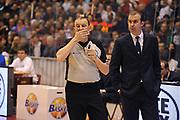 DESCRIZIONE : Milano Lega A 2011-12 EA7 Emporio Armani Milano Montepaschi Siena<br /> GIOCATORE : Simone Pianigiani<br /> CATEGORIA : referee curiosita<br /> SQUADRA : Montepaschi Siena<br /> EVENTO : Campionato Lega A 2011-2012<br /> GARA : EA7 Emporio Armani Milano Montepaschi Siena<br /> DATA : 13/11/2011<br /> SPORT : Pallacanestro<br /> AUTORE : Agenzia Ciamillo-Castoria/GiulioCiamillo<br /> Galleria : Lega Basket A 2011-2012<br /> Fotonotizia : Milano Lega A 2011-12 EA7 Emporio Armani Milano Montepaschi Siena<br /> Predefinita :