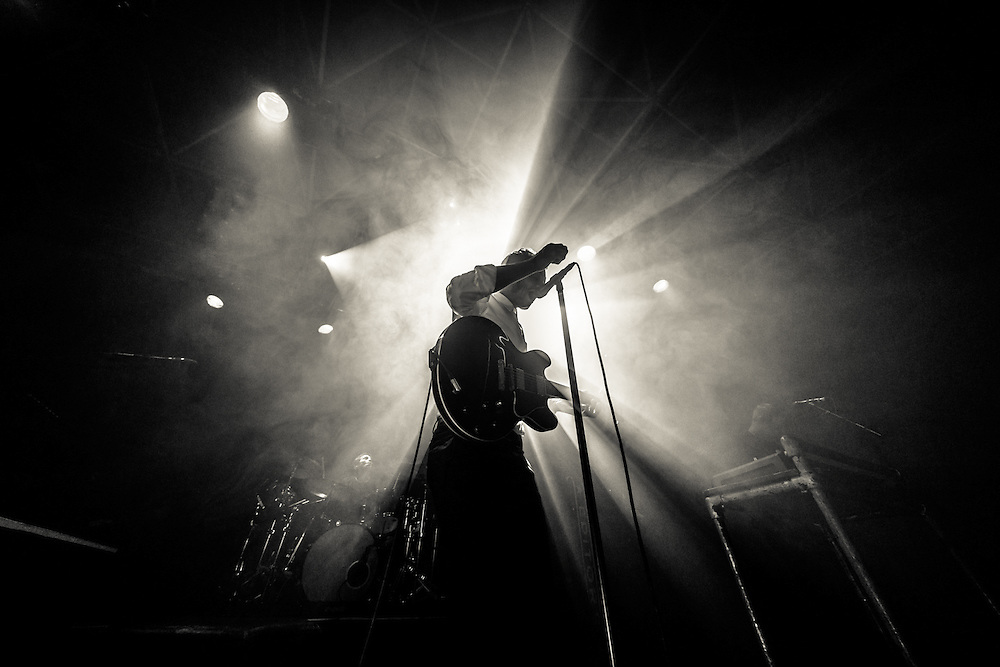"""EDITORS - The english rock band from Stafford with front singer Tom Smith live at the exclusive pre-release show at ZAKK in Düsseldorf 2015-09-28 for the furthcoming album """"In Dream""""."""