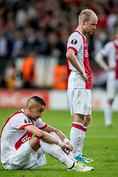 24-05-2017 SWE: Final Europa League AFC Ajax - Manchester United, Stockholm<br /> Finale Europa League tussen Ajax en Manchester United in het Friends Arena te Stockholm / Een teleurgestelde Hakim Ziyech #22 en Davy Klaassen #10