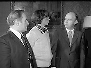 31/03/1978.03/31/1978.31st March 1978.John Treacy meets the President..After his World Championship Cross Country win, John Treacy, returned to Dublin to be received by President Hillery at Aras an Uachtarain. With them is Bill Coghlan, President B.L.E.