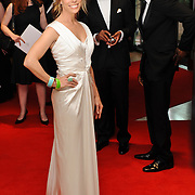Cheryl Hines, with Marlon Wayans and Omar Epps in the background