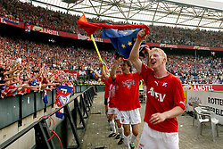 01-06-2003 NED: Amstelcup finale FC Utrecht - Feyenoord, Rotterdam<br /> FC Utrecht pakt de beker door Feyenoord met 4-1 te verslaan / Dirk Kuyt, Igor Gluscevic