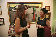 KEZZIE MOYNIHAN AND JUNG CHANG, Celebrating George Melly at 80: Aspects of his Collection. The Mayor Gallery. Cork St. London. 17 August 2006. ONE TIME USE ONLY - DO NOT ARCHIVE  © Copyright Photograph by Dafydd Jones 66 Stockwell Park Rd. London SW9 0DA Tel 020 7733 0108 www.dafjones.com
