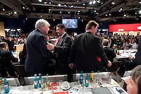 13 NOV 2009, DRESDEN/GERMANY:<br /> Michael Sommer (L), DGB Bundesvorsitzender, und Sigmar Gabriel (R), SPD Parteivorsitzender, Gratulationen nach Gabriels Wahl zum Parteivorsitzenden, SPD Bundesparteitag, Messe Dresden<br /> IMAGE: 20091113-01-404<br /> KEYWORDS: party congress, SPD Parteitag, Applaus, applaudieren, klatschen