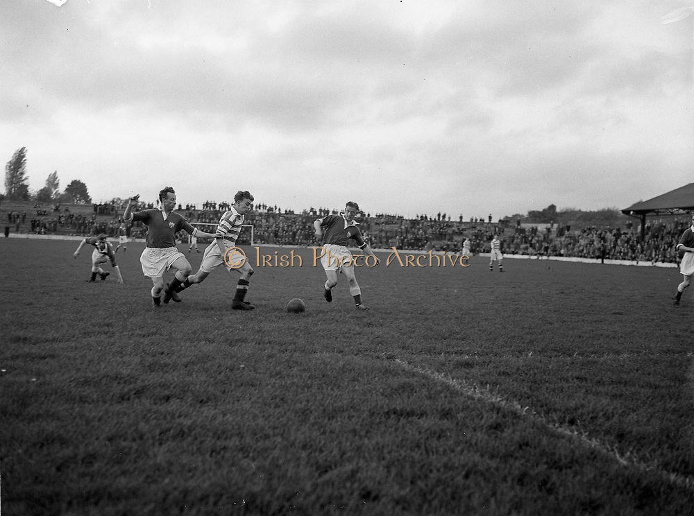 Soccer, Cork Athletic v Shamrock Rovers at Milltown 17-10-1954
