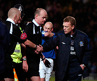 Photo: Ed Godden/Sportsbeat Images.<br /> Watford v Everton. The Barclays Premiership. 24/02/2007.<br /> Everton Manager David Moyes shakes hands with the officials at the end of the game.