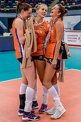 01-10-2017 AZE: Final CEV European Volleyball Nederland - Servie, Baku<br /> Nederland verliest opnieuw de finale op een EK. Servië was met 3-1 te sterk / Lonneke Sloetjes #10 of Netherlands, Femke Stoltenborg #2 of Netherlands, Anne Buijs #11 of Netherlands