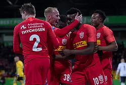 Mikkel Rygaard (FC Nordsjælland) jubler med målscorer Mohammed Kudus efter scoringen til 4-0 under kampen i 3F Superligaen mellem FC Nordsjælland og AC Horsens den 19. februar 2020 i Right to Dream Park, Farum (Foto: Claus Birch).