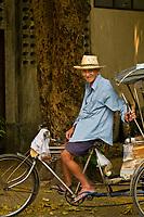 Pedicab Driver, Wat Chedi Luang (Buddhist temple), Chiang Mai, Northern Thailand