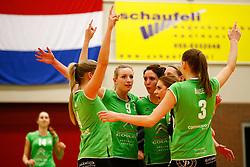 20141217 NED: Challenge Cup, Coolen Alterno - VDK Gent: Apeldoorn<br />Coolen Alterno viert een gewonnen punt, Linda Te Molder, Marlou Sommer, Rosita Blomenkamp<br />©2014-FotoHoogendoorn.nl / Pim Waslander