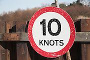 Ten knots speed sign