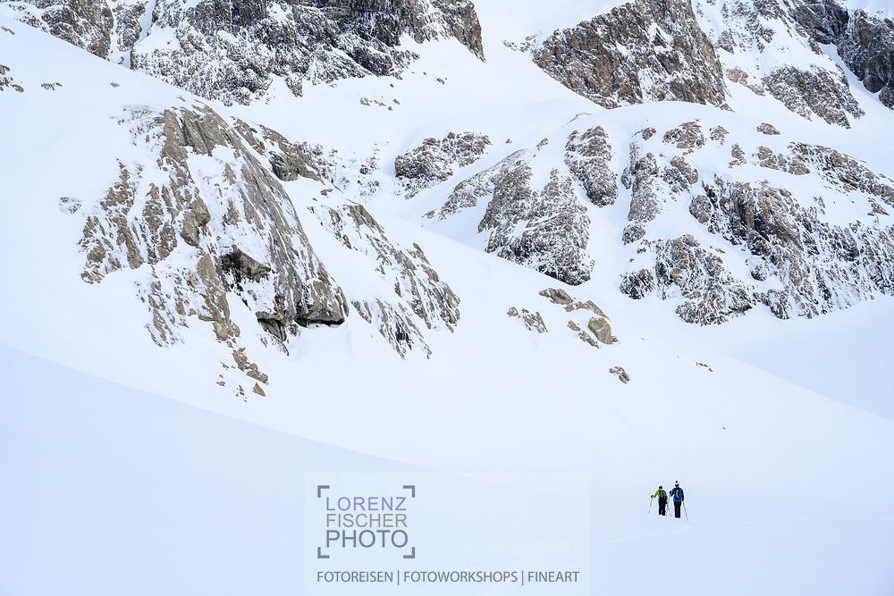 In the areae of Juzfad on a ski tour from the Meiental on mount Zwächten with a descent to the Erstfeld valley, Uri, Switzerland<br /> <br /> Skitour vom Meiental auf den Zwächten mit Abfahrt ins Erstfelder Tal, Uri, Schweiz