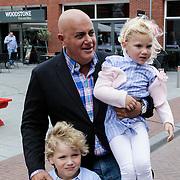 NLD/Haarlem/20120627 - Filmpremiere Ice Age 4, Jack van Gelder en kleininderen