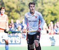 BLOEMENDAAL - HOCKEY -   Bram Huijbregts (Oranje-Rood) tijdens de competitie hoofdklasse hockeywedstrijd Bloemendaal -ORANJE-ROOD (4-1)  COPYRIGHT KOEN SUYK