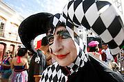 Ouro Preto_MG, 18 de fevereiro de 2012...CARNAVAL 2012 OURO PRETO..Folioes desfilam pelas ruas de ouro preto durante o carnaval...Foto: ALEXANDRE MOTA / UOL