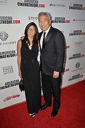 Kevin Tsujihara & Sandy Tsujihara bei der 30th Annual American Cinematheque Awards Gala in Beverly Hills / 141016