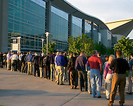 Omaha, Neb 5/6/06 Crowds line up at the Berkshire Hathaway annual meeting outside the Qwest Center Omaha Saturday Morning..(Chris Machian/Prairie Pixel Group)
