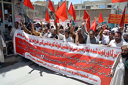 May 25, 2017 - Pakistan - QUETTA, PAKISTAN, MAY 25: Members of Pakistan Workers Confederation (PWC) .Balochistan are holding protest demonstration for acceptance of their demands, at Quetta press .club on Thursday, May 25, 2017. (Credit Image: © PPI via ZUMA Wire)