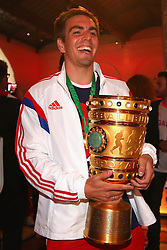 "17.05.2014, T Com, Berlin, GER, DFB Pokal, Bayern Muenchen Pokalfeier, im Bild Philipp Lahm of Bayern Muenchen. Philipp Lahm, // during the FC Bayern Munich ""DFB Pokal"" Championsparty at the T Com in Berlin, Germany on 2014/05/17. EXPA Pictures © 2014, PhotoCredit: EXPA/ Eibner-Pressefoto/ EIBNER<br /> <br /> *****ATTENTION - OUT of GER*****"