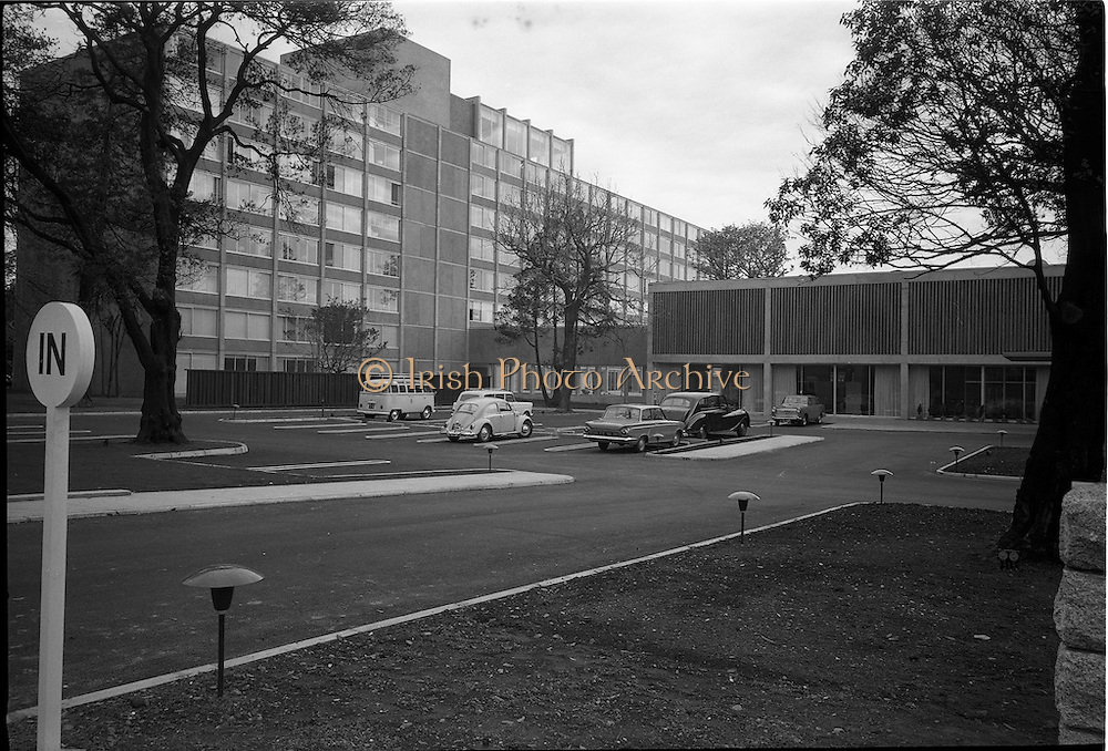 23/05/1963<br /> 05/23/1963<br /> 23 May 1963<br /> The Intercontinental Hotel, Dublin.<br /> Images of the recently opened Intercontinental hotel. Image shows the exterior and car park of the hotel.