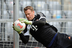 14.05.2013, Allianz Arena, Muenchen, GER, UEFA CL, FC Bayern Muenchen, Medientag, im Bild Torwart Manuel NEUER (FC Bayern Muenchen), Freisteller // during the open media day of FC Bayern Munich in front of the UEFA Champions League Final 2013 held at the Alianz Arena, Munich, Germany on 2013/05/14. EXPA Pictures © 2013, PhotoCredit: EXPA/ Eibner/ Wolfgang Stuetzle..***** ATTENTION - OUT OF GER *****