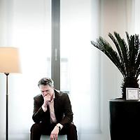 Nederland,Den Haag ,28 februari 2008...Wouter Jacob Bos (Vlaardingen, 14 juli 1963) is een Nederlands politicus. Hij is sinds 22 februari 2007 minister van Financiën en vicepremier in het kabinet-Balkenende IV. Sinds 2002 is hij de politiek leider van de Partij van de Arbeid (PvdA).
