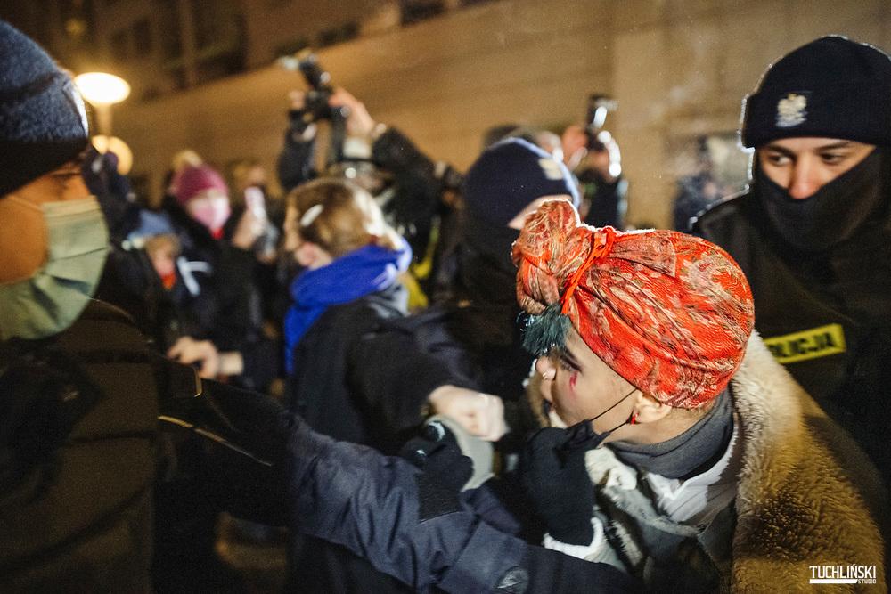 Warszawa, Polska. 28.01.2021r.<br /> Demonstracja Strajku Kobiet przeciw zaostrzeniu prawa aborcyjnego przed Trybunałem Konstytucyjnym<br /> Fot. Adam Tuchlinki