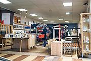 Nederland, Arnhem, 18-2-2017In een winkel voor gebruikte spullen staan veel goederen te koop .Foto: Flip Franssen