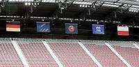 GEPA-0706085972 - KLAGENFURT,AUSTRIA,07.JUN.08 - FUSSBALL - UEFA Europameisterschaft, Vorbereitung auf die EURO 2008, Nationalteam Polen, Abschlusstraining. Bild zeigt  die Fahnen von Deutschland, der UEFA, der FIFA und Polen. Keyword: Tribuene.<br />Foto: GEPA pictures/ Oskar Hoeher