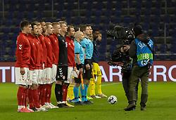 Det danske hold stiller op til venskabskampen mellem Danmark og Sverige den 11. november 2020 på Brøndby Stadion (Foto: Claus Birch).