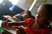 Lencois_BA, Brasil...Criancas em atividade de aula em uma  escola publica em Lencois, Bahia...Children in the classroom in a public school in Lencois, Bahia...Foto: LEO DRUMOND / NITRO.