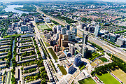 Nederland, Noord-Holland, Amsterdam-Zuid, 29-06-2018; Overzicht Zuid-as en Station-Zuid en lokatie toekomstig Zuidasdok. Beethovenstraat, De Boelelaan.<br /> Overview 'South-axis', financial district<br /> luchtfoto (toeslag op standard tarieven);<br /> aerial photo (additional fee required);<br /> copyright foto/photo Siebe Swart