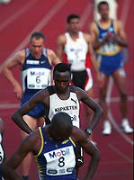 Friiidrett,  Wilson Kipketer fra Danmark løp 800 meter i Bislett Games 1999. Bak skimtes Vebjørn Rodal (6). Foto: Digitalsport