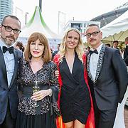 NLD/Amsterdam/20150604 - Amsterdam Diner 2016, Liesbeth list met haar dochter Elizah en couturiers Viktor en Rolf