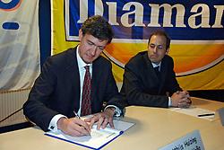 12-05-2005 VOLLEYBAL: TEAMPRESENTATIE: AMSTELVEEN<br /> Mathijs Huizing<br /> ©2005-WWW.FOTOHOOGENDOORN