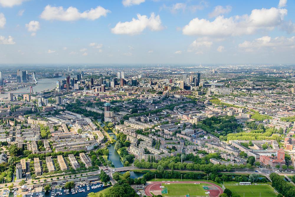 Nederland, Zuid-Holland, Rotterdam, 10-06-2015; noordoostelijk van Rotterdam met links Kralingen en rechts Crooswijk. Stadscentrum met hoogbouw in het verschiet.<br /> Rotterdam Kralingen and Crooswijk seen from the Kralingse Plas.<br /> luchtfoto (toeslag op standard tarieven);<br /> aerial photo (additional fee required);<br /> copyright foto/photo Siebe Swart