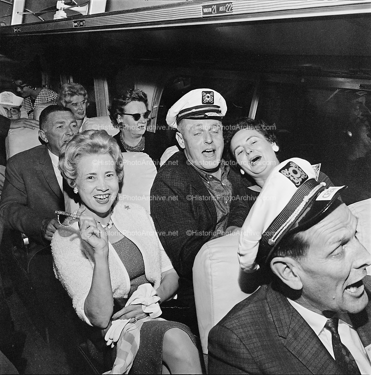 Y-620916-03-06. Oregon Restaurant Association first annual convention, Hotel Gearhart, Surfside Motel. September 16/17/18, 1962