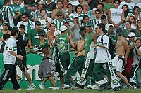 20091206: CURITIBA, BRAZIL - Coritiba vs Fluminense: Brazilian League 2009. In picture: Coritiba supporters invade the pitch and attack players and staff. PHOTO: CITYFILES