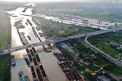 August 27, 2017 - Huai'An, Huai'an, China - Huai'an, CHINA-27th August 2017: (EDITORIAL USE ONLY. CHINA OUT) ..Aerial photography of boats at Beijing-Hangzhou Grand Canal in Huai'an, east China's Jiangsu Province. (Credit Image: © SIPA Asia via ZUMA Wire)