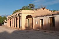 CASA DE ADOBE Y CON CON GALERIA, MOLINOS, VALLES CALCHAQUIES, PROV. DE SALTA, ARGENTINA