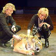 Russisch Kerstcircus 2003, Hans Klok, Ellen en tijger